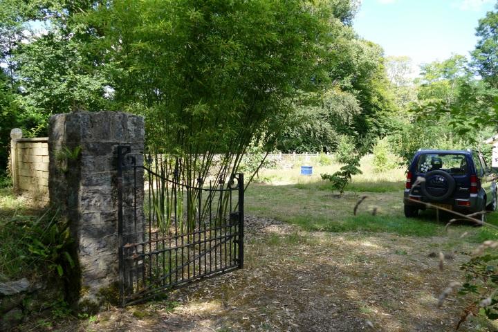 Buckfast Abbey Scenery (396)