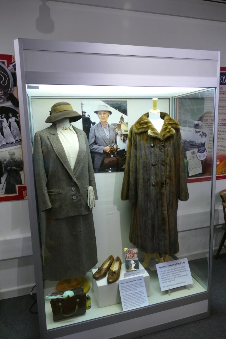 torquay-museum-scenery-4
