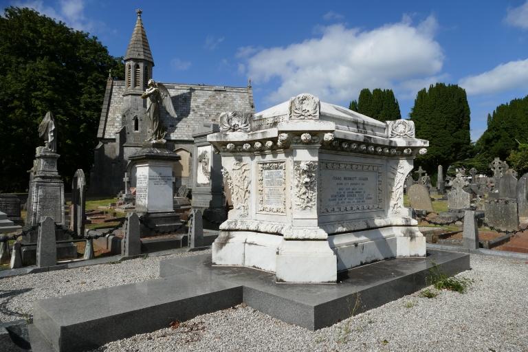 torquay-cemetery-singer-4